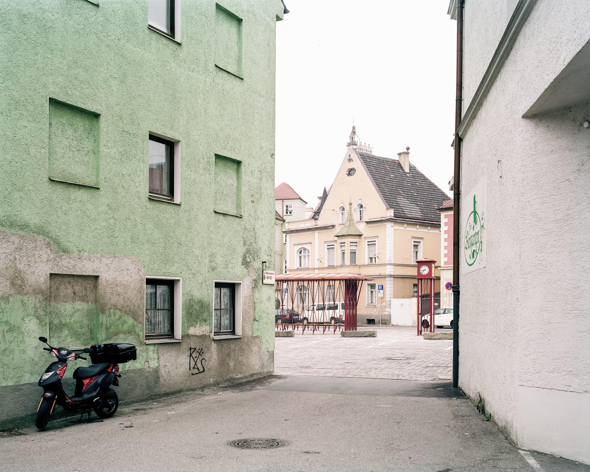 warte haus auf dem bismarckplatz landshut bauforumstahl. Black Bedroom Furniture Sets. Home Design Ideas
